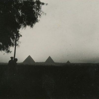 Graužiniai keliauja po Egiptą, 1937 m.