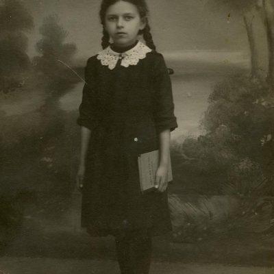 Laimutė Šlapelytė mokinukė, 1915–1916 m.