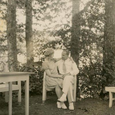 Sužadėtiniai Laimutė Šlapelytė ir Kazimieras Graužinis, 1928 m.