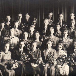 Stepono Batoro universiteto lietuvių studentų būrelis. 1939 m. vasara. Skaistutis – trečioje eilėje trečias iš kairės. Antroje eilėje ketvirta iš kairės – būsimoji profesorė Pranė Dundulienė.