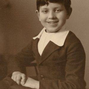 Skaistučio Šlapelio portretas. 1929 m. kovo mėn. Fotografas Antoni Skurjat. Skaistutis, dėvintis mokinio uniformą, nufotografuotas Vilniuje, Antoni Skurjat ateljė.