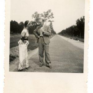 Gražutė Šlapelytė ir Aloyzas Sirutis Palangoje. 1938 (?) m.