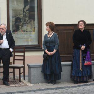 Festivalio globėjas Vytautas Landsbergis, muziejaus direktorė Jolanta Paškevičienė ir festivalio kūrėjai Eglė Tulevičiūtė bei Kristijonas Siparis.